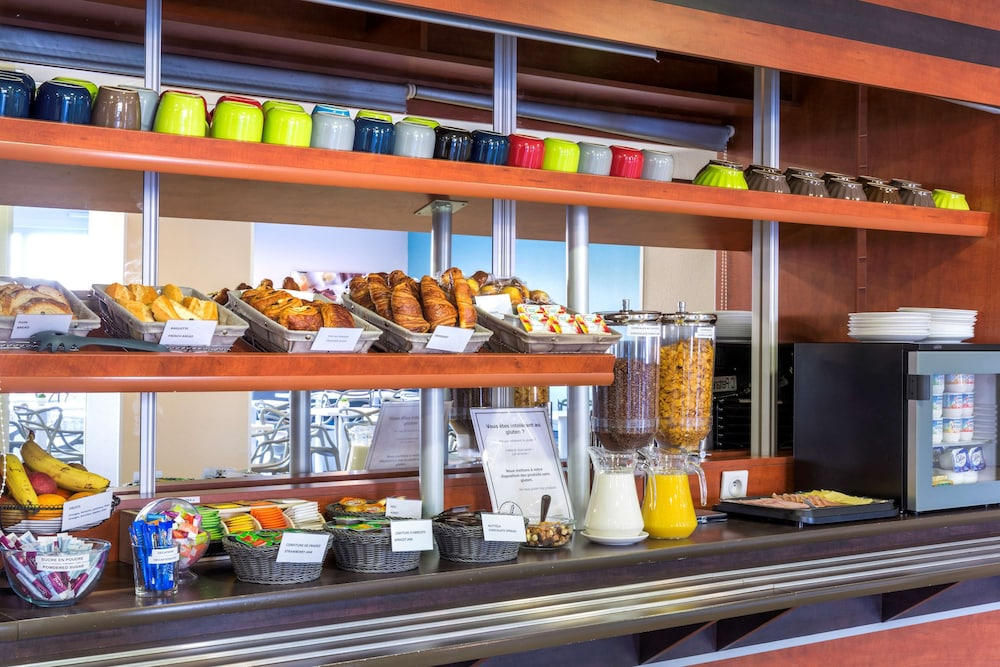 Breakfast Area, Sure Hotel by Best Western Saint-Amand-Les-Eaux