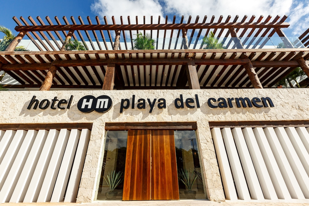Property Entrance, HM Playa del Carmen