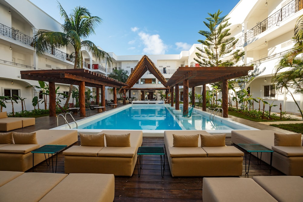 Outdoor Pool, HM Playa del Carmen