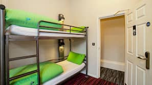 Cots/infant beds, wheelchair access