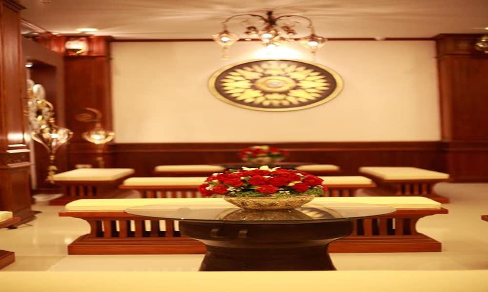 Manorom Boutique Hotel