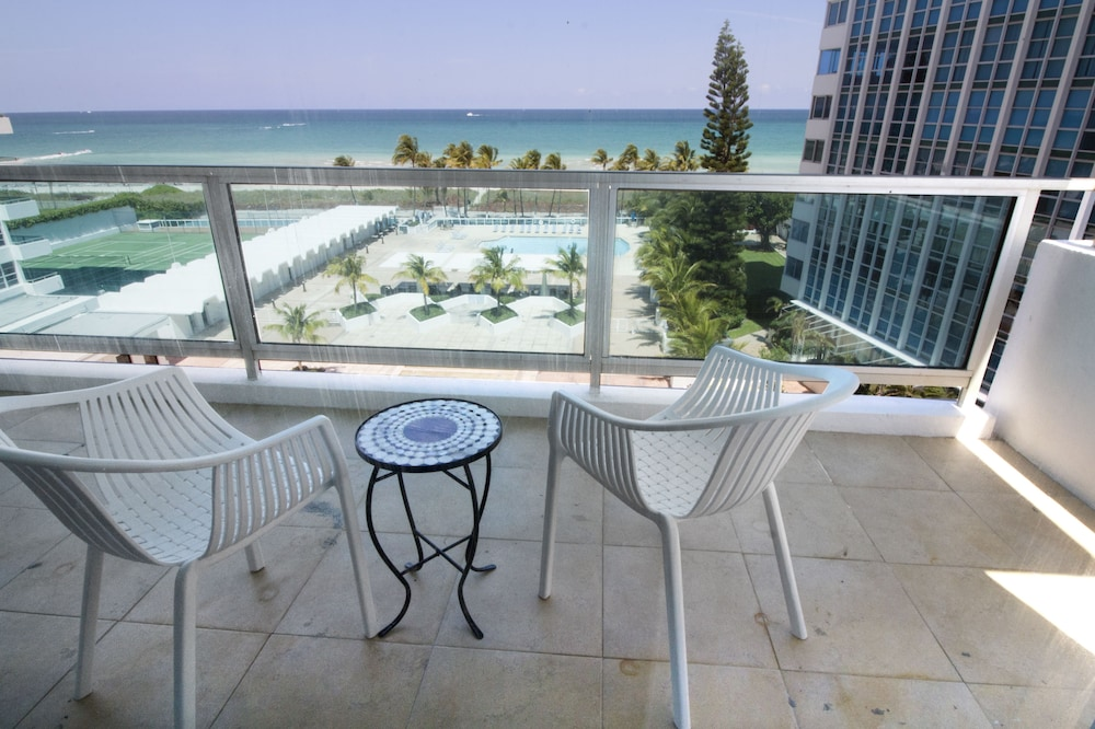 Aerial View, Seacoast Suites on Miami Beach