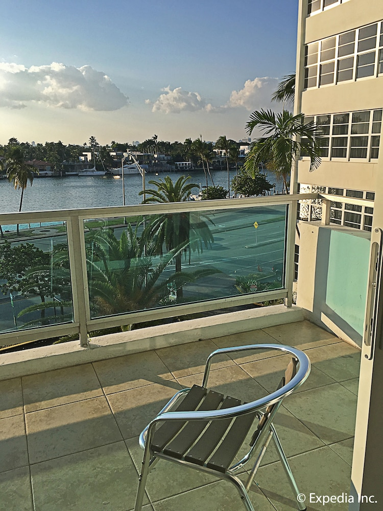 Book seacoast suites on miami beach miami beach hotel deals - Cheap 2 bedroom suites in miami beach ...