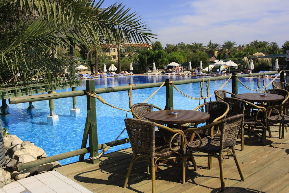 Poolside Bar, Pegasos World Hotel - All Inclusive