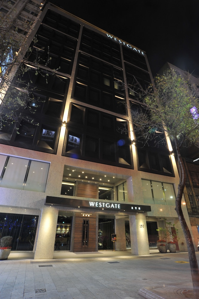 Front of Property - Evening/Night, WESTGATE Hotel