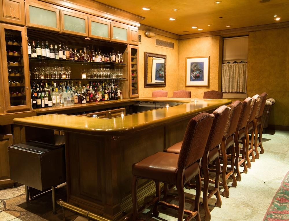 Hotel And Spa Packages In Chicago Suburbs