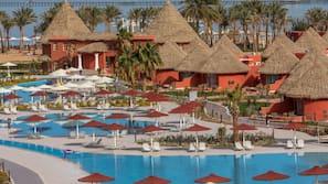 7 outdoor pools, pool umbrellas, sun loungers