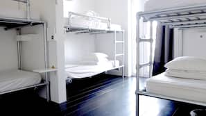Een kluis op de kamer, babybedden