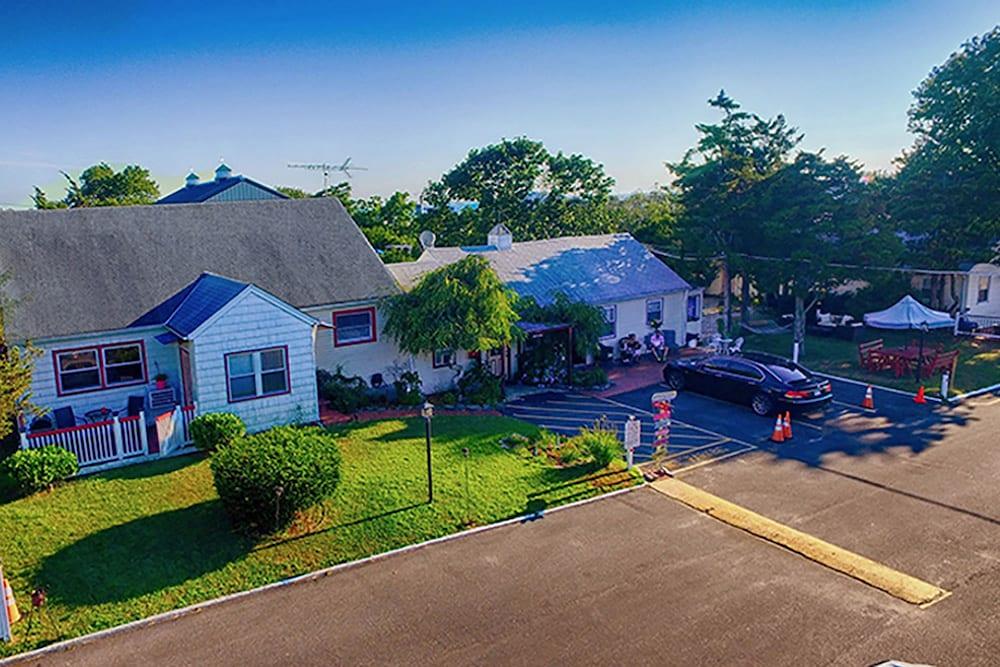 Baywatch Hotel Marina In Hampton Bays Rates Reviews On Orbitz