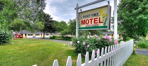 Check Expedia for Availability of Picket Fence Motel