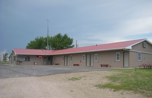 Great Place to stay Siding 36 Motel & RV Park near White Lake