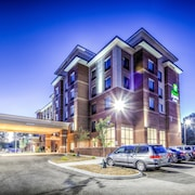 Holiday Inn Express & Suites Cleveland West - Westlake