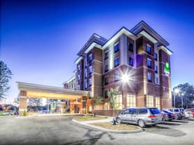 Holiday Inn Express & Suites Cleveland West - Westlake, an IHG Hotel