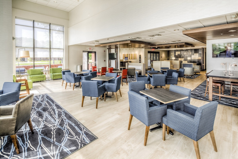 Breakfast Meal, Holiday Inn Express & Suites Cleveland West - Westlake, an IHG Hotel