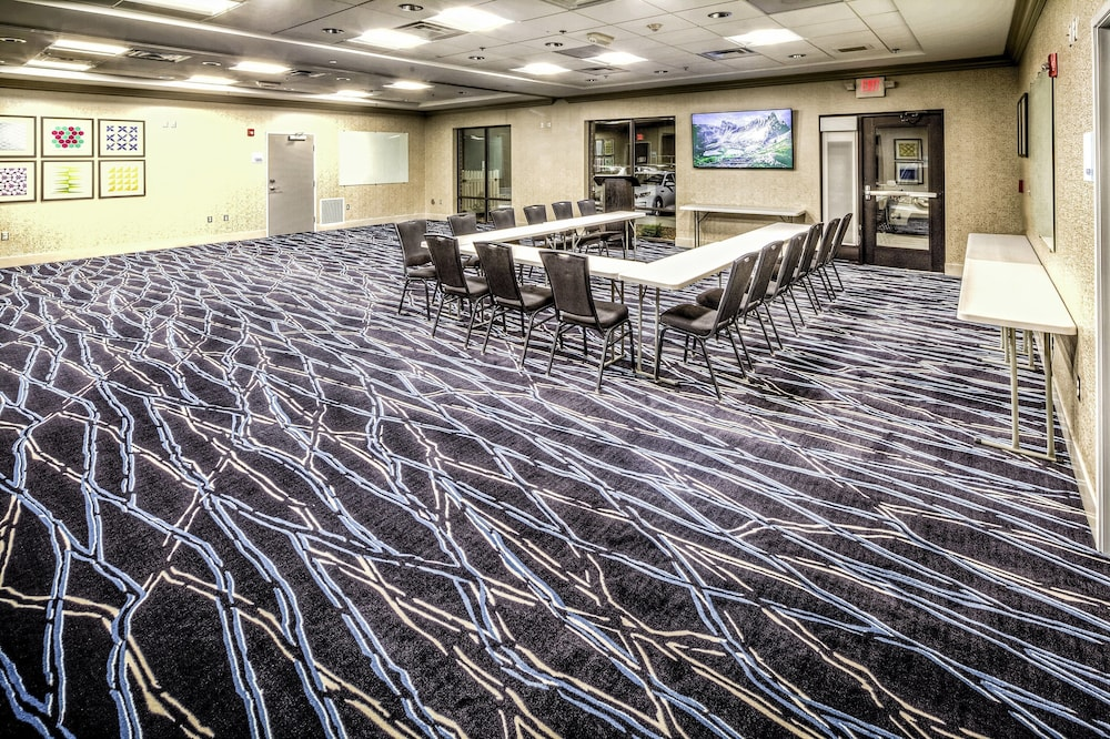 Meeting Facility, Holiday Inn Express & Suites Cleveland West - Westlake, an IHG Hotel