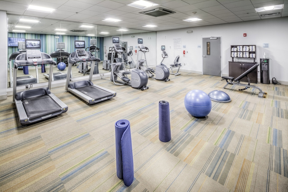 Fitness Facility, Holiday Inn Express & Suites Cleveland West - Westlake, an IHG Hotel