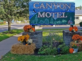 The Canyon Motel