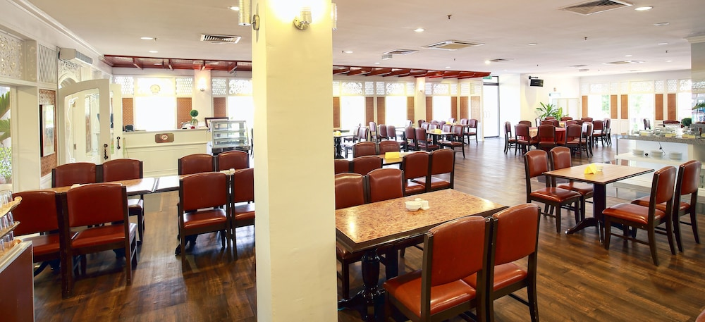 Restaurant, The Putra Regency Hotel