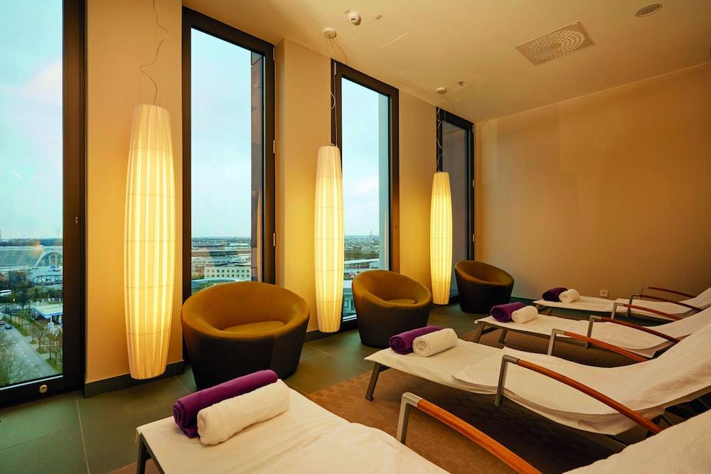 hyperion hotel hamburg in hamburg hotel rates reviews on orbitz. Black Bedroom Furniture Sets. Home Design Ideas