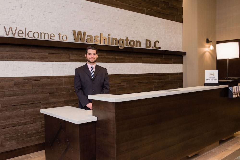 Reception, Hampton Inn & Suites Washington DC - Navy Yard