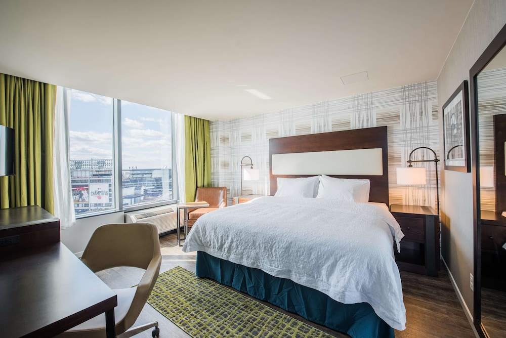 Room, Hampton Inn & Suites Washington DC - Navy Yard
