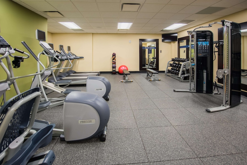 Fitness Facility, Hampton Inn & Suites Washington DC - Navy Yard