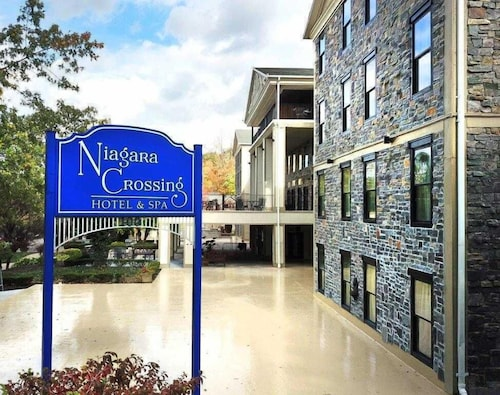 Niagara Crossing Hotel & Spa