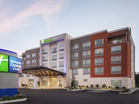 Holiday Inn Express & Suites Sandusky, an IHG Hotel