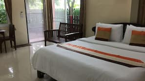 高級寢具、書桌、摺床/加床 (收費)、免費 Wi-Fi