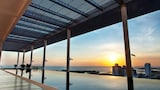 The Straits Hotel & Suites - Malacca Hotels
