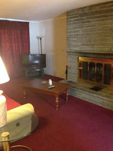 Living Area, Countryside Motel