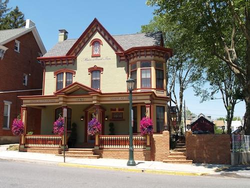 Great Place to stay Main Street Inn near Kutztown