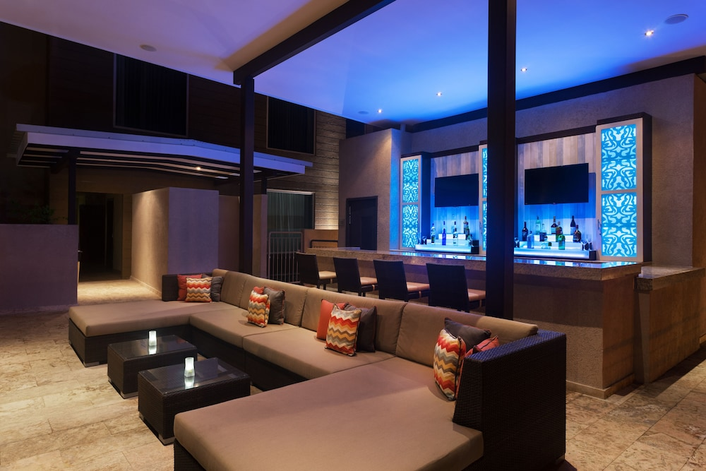 Bar, Courtyard by Marriott Kingston, Jamaica