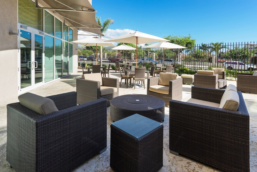 Terrace/Patio, Courtyard by Marriott Kingston, Jamaica
