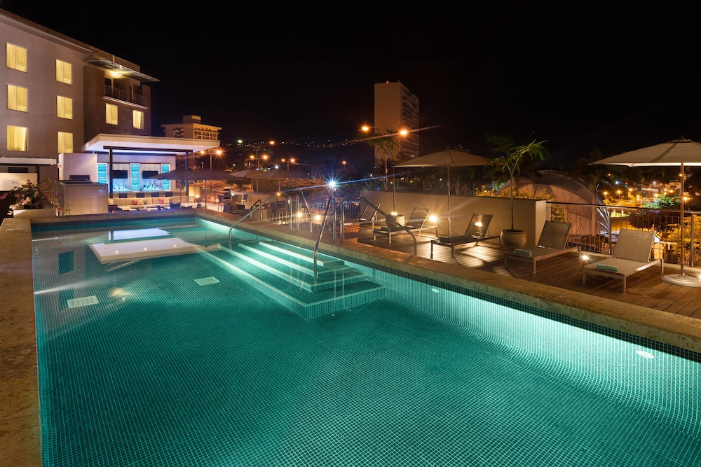 Pool, Courtyard by Marriott Kingston, Jamaica