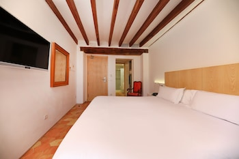 6 Costa de'n Sintes, 07003 Palma de Mallorca, Spain.