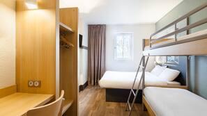 Bureau, chambres insonorisées, lits bébé (gratuits), Wi-Fi gratuit
