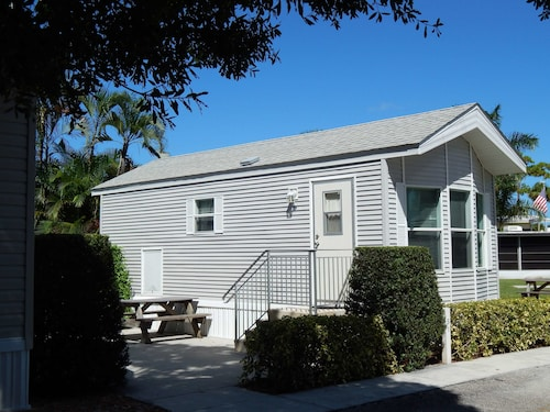 Great Place to stay Road Runner Travel Resort - Caravan Park near Fort Pierce