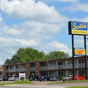 Scottish Inns & Suites Eau Claire