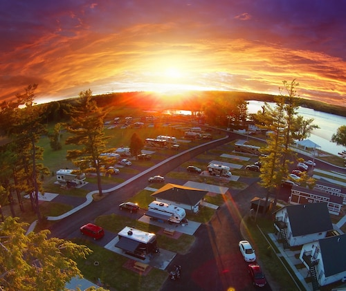 Great Place to stay Swan Bay Resort - 1000 Islands Premier RV Park, Cottage Rentals & Marina near Alexandria Bay