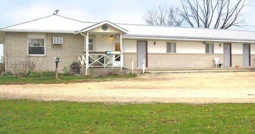 Great Place to stay U.S. 20 Lodging near Earlville