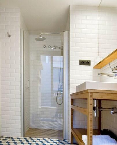 Casa bella gracia barcelona room prices reviews travelocity - Casa bella gracia ...