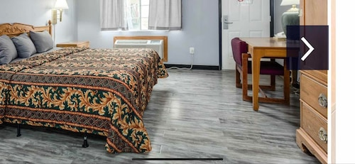 Great Place to stay 99 Palms Inn & Suites near Tulare