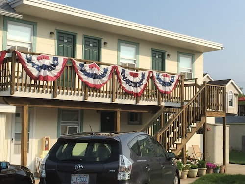 Great Place to stay Sun 'N' Sand Motel near Stone Harbor