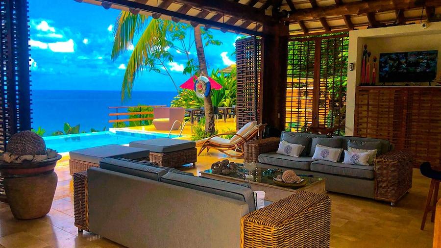 Hotel On Vacation Acantilado de la Tierra