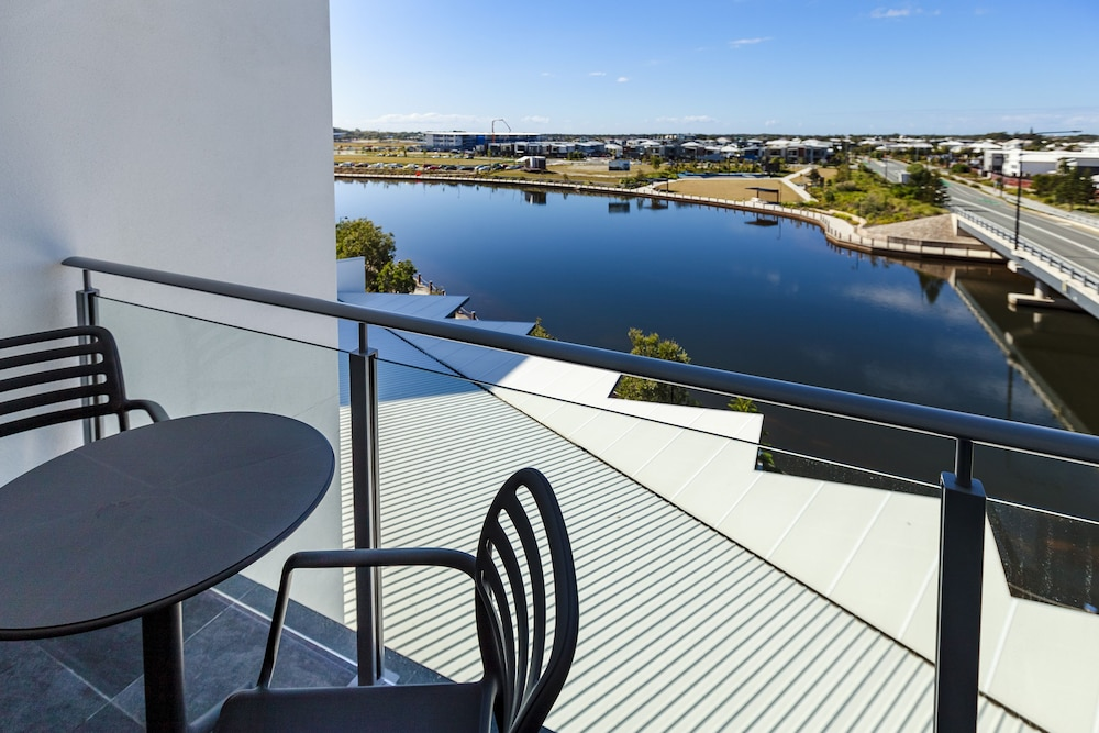 Balcony, Mercure Sunshine Coast Kawana Waters