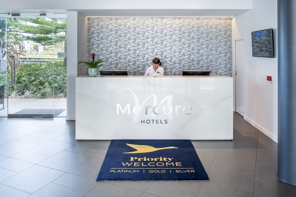 Reception, Mercure Sunshine Coast Kawana Waters