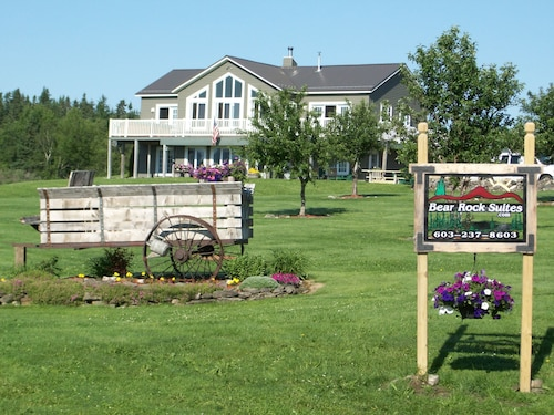 Great Place to stay Bear Rock Suites near Colebrook