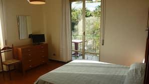 1 slaapkamer, een bureau, babybedden