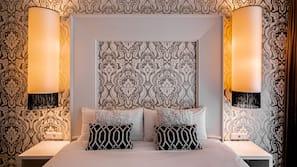 Lakens van Egyptisch katoen, luxe beddengoed, een kluis op de kamer